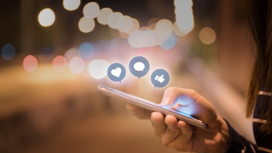 Intégrer les réseaux sociaux au service client