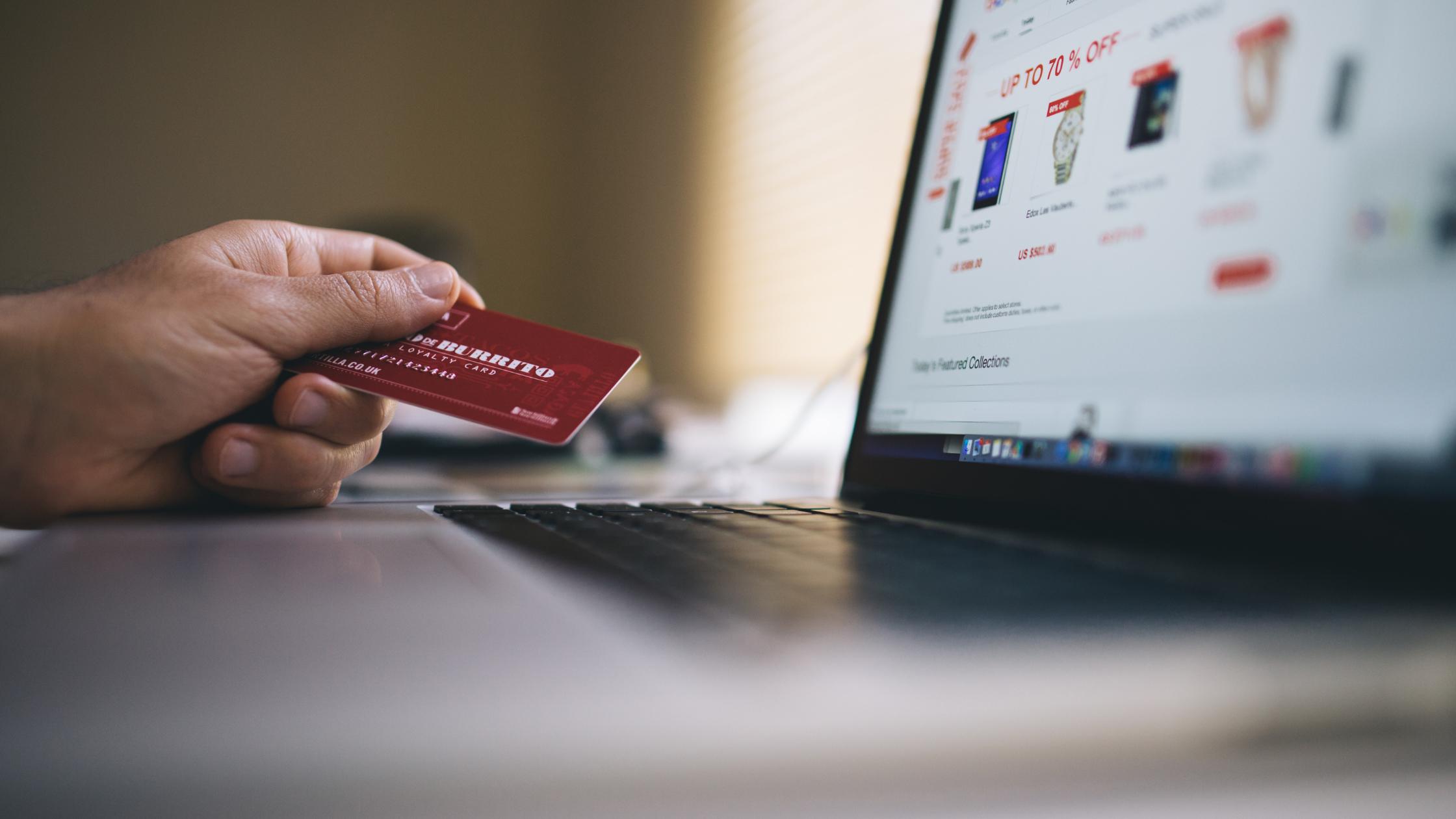 Boostez votre vente en ligne avec le call tracking et le live tracking