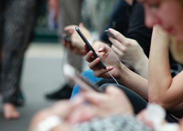 Professionnels que choisir pour vos centres de contacts : Numéro gratuit ou surtaxé ?